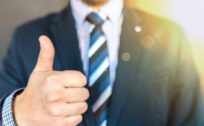 Existen 2 modalidades principales para ofrecer lecciones de inglés a sus empleados: clases privadas y lecciones online. Conozca las principales ventajas de cada una.
